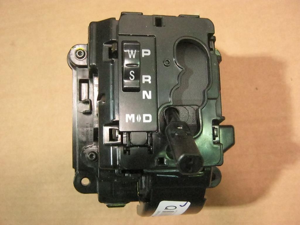 Селектор (механизм включения передач) АКПП DSI 6A/T  SsangYong Rexton/Kyron/Actyon